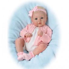 Ashton Drake- Annika Pretty in Pink